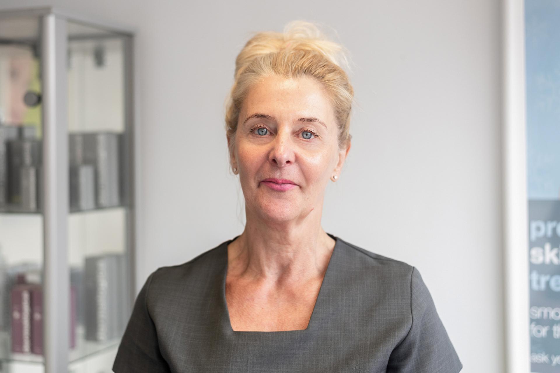 , LindaKalantarian, Beauty Therapist